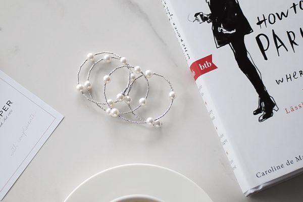 Kette,Buch,Kaffee