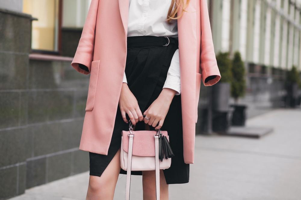 rosa,Mantel,Handtasche