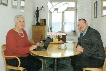 Eva-Maria Popp im Gespräch mit Eckahardt Borowski, dem Inhaber von LAVOJA