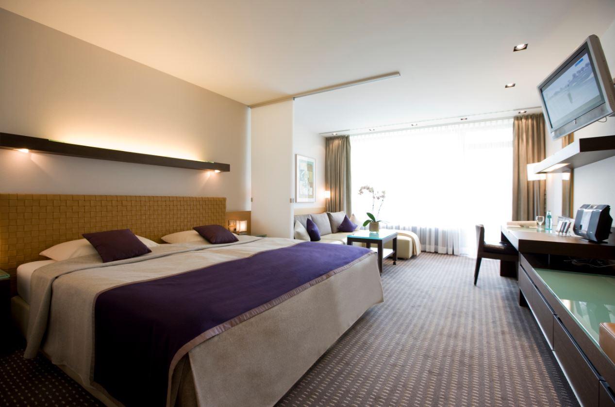 Hotelzimmer,Schlafzimmer,Bett
