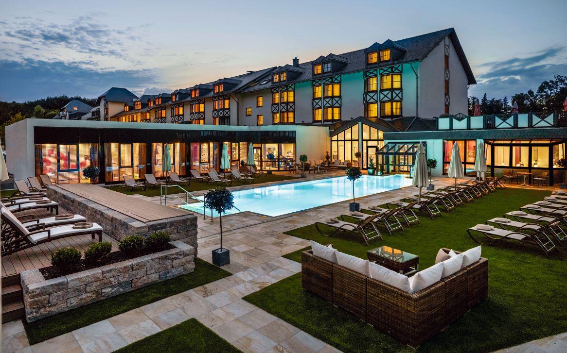 Hotel,Pool,Außenbereich