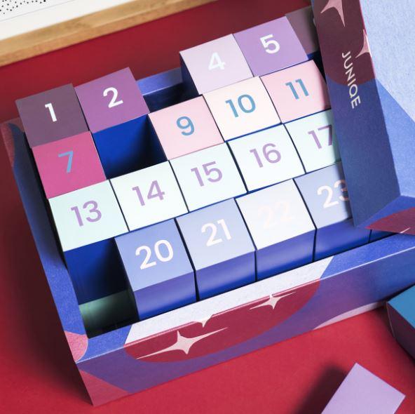 24 x Kunstdruck-Liebe mit dem JUNIQE-Adventskalender