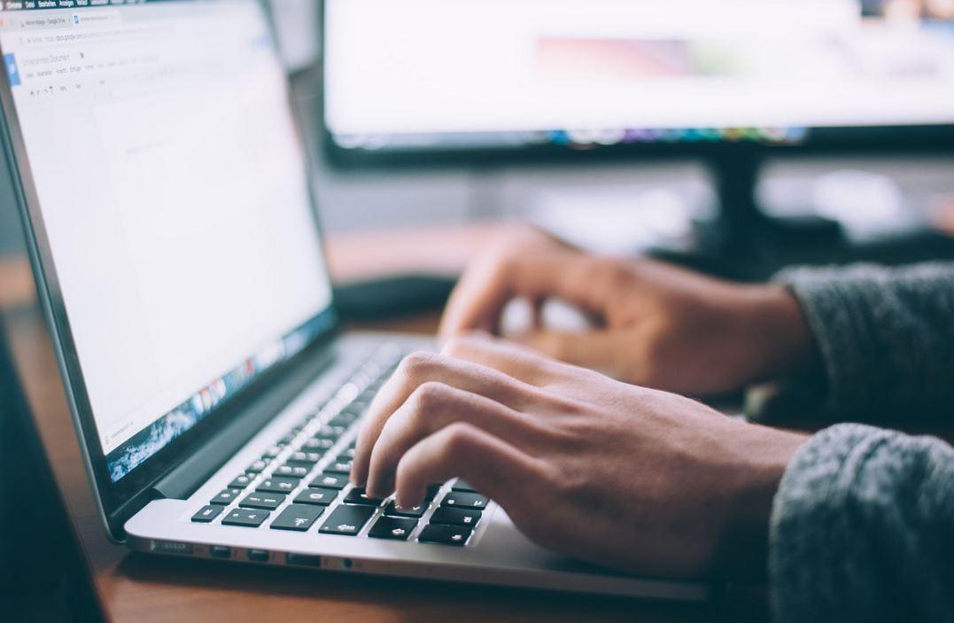 Laptop,Computer,Haende