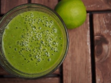 LiCard Userinnen Rezept: Avocado & Mandel Smoothie